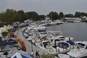 Lake_St_Clair_boats
