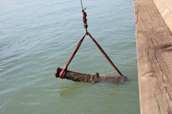 18th century British cannon being retrieved from the Detroit River in 2011. Credit: Michael Saraino.