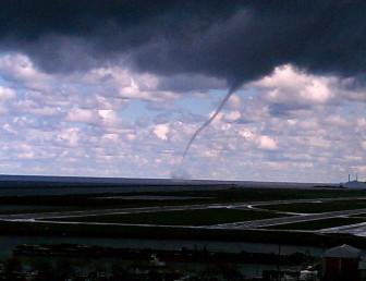 Lake Erie waterspout