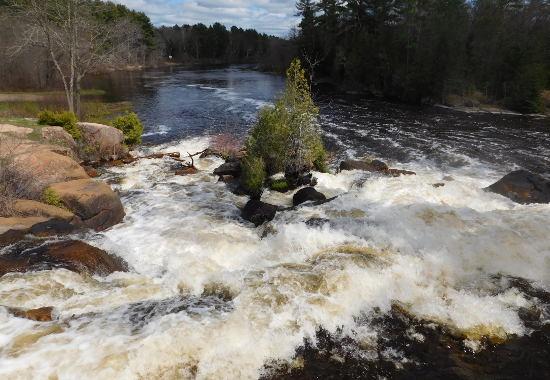 Menominee River. Image: Environmental Health News.